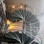 Blick von unten auf die Wendeltreppe des Instituts. (c) V. Schreiber
